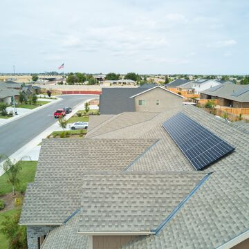 commercial home builders using solar